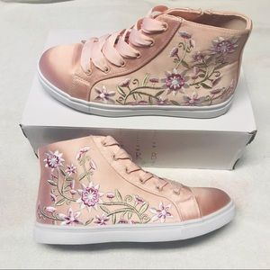 Light Salmon Pink Embroidery Shoes